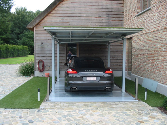 autolift in privatresidenz mit dach parksysteme by o me r s p a. Black Bedroom Furniture Sets. Home Design Ideas
